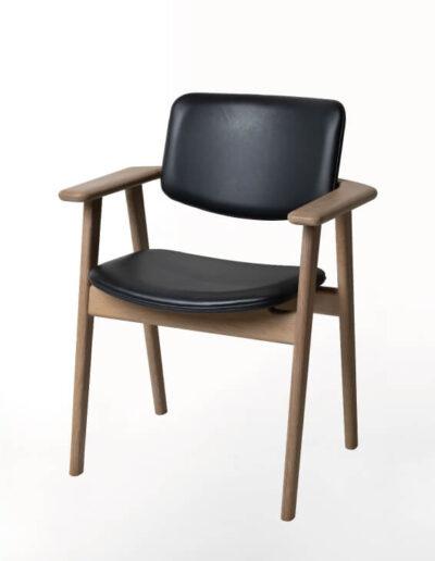 CH113 Fin Chair-01